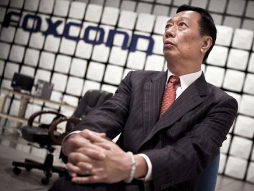 Foxconn goes into rehab for Apple addiction